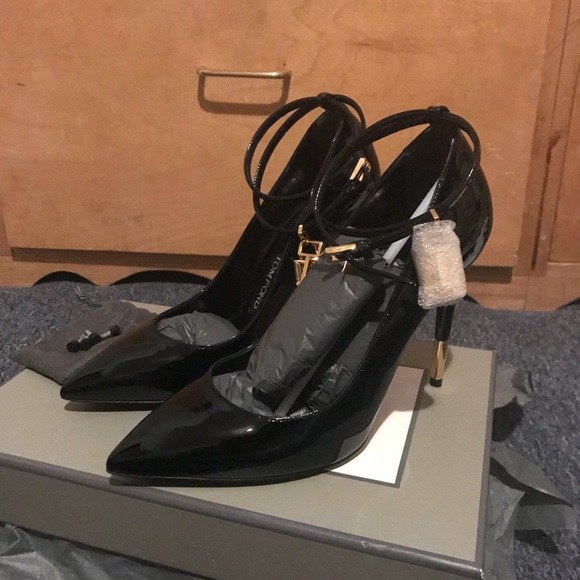 9488ecf0cbe Tom Ford Padlock Pump BLACK OBO